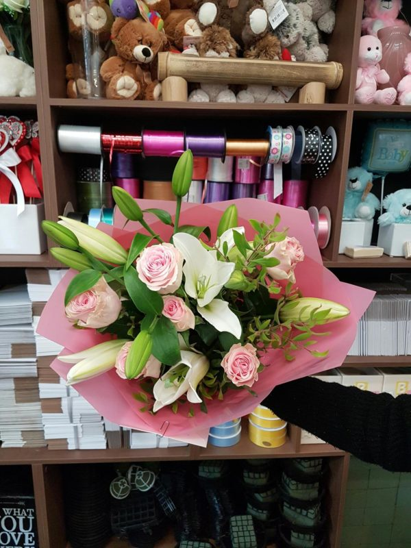 soft pink roses white oriental lily's bouquet